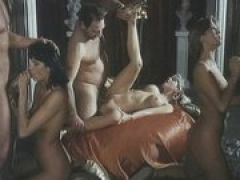 Vintage Gruppensex mit Analsex